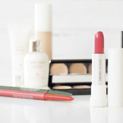 """My Top 8 """"Mom"""" Hair and Makeup Tips (I'd actually still use these if I wasn't a mom)"""